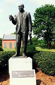 Louis Armstrong statue