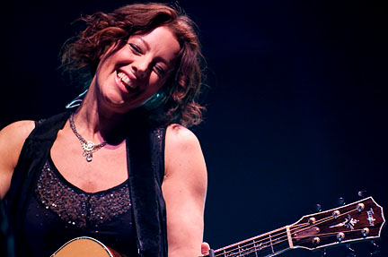 sarah mclachlan concert review the riverside theater milwaukee wi