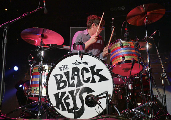 The Black Keys Cage The Elephant Concert Review United
