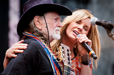 Willie Nelson & Grace Potter