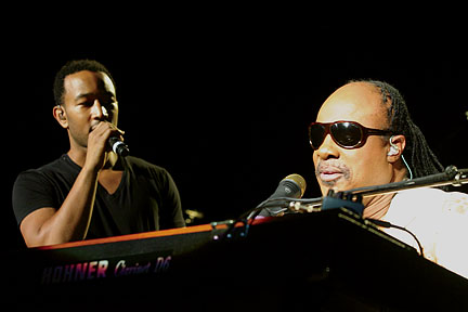 """Stevie Announces Extended Fall 2015 Run Of """"Songs In The Key Of Life Performance"""" Tour"""